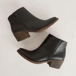 Volatile Ventura Ankle Boot